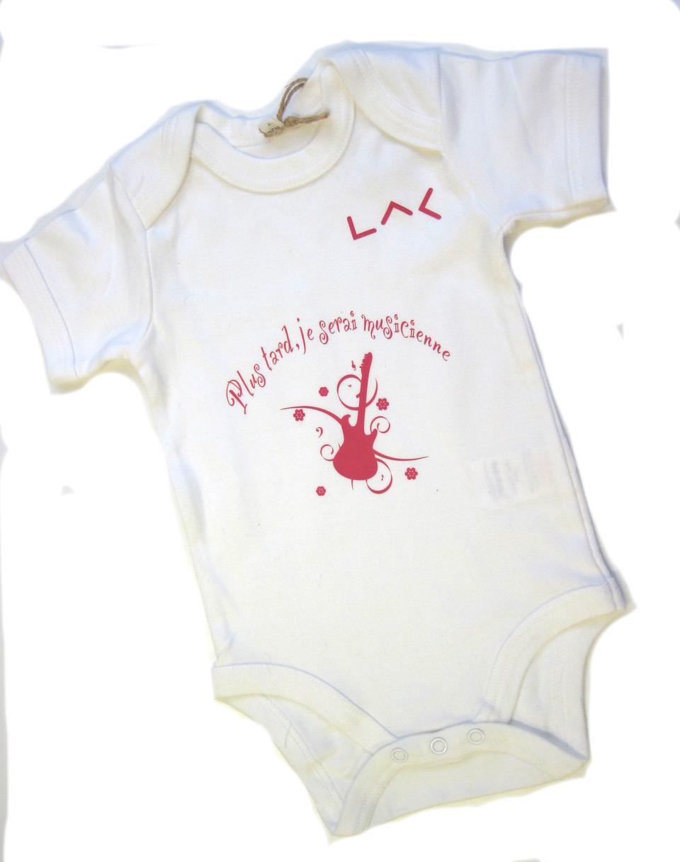 body à thèmes fait main en coton au logo du LAC