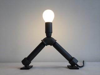 lampe en tube d'acier, souvenir du LAC