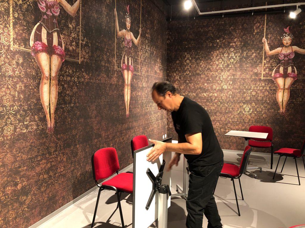 Installation d'une salle pour workshop ou séminaires aux Ateliers de la Côte à Etoy
