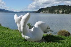 femme nuage au Pont Vallée de Joux 19'500 créée par Christine Demière amie des Ateliers de la Côte à Etoy