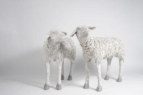 Moutons créés par Valerie de Kalbermatten aux Ateliers de la Côte à Etoy