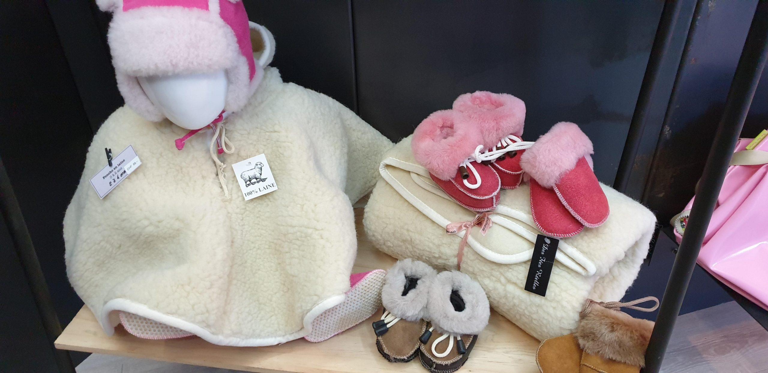 Vêtements pour bébés en mouton réalisés par Stéphanie Gedda Des Fées Réelles